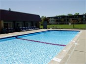 Shoreview Grand Apartments Outdoor Pool