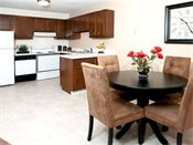 Hamline Pointe Apartments Dining Room/Kitchen