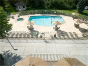 Stonehill Apartments Swimming Pool
