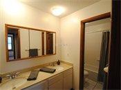 Lynwood Pointe Bathroom