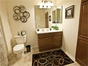 Parkwood Pointe Apartments Model Bathroom